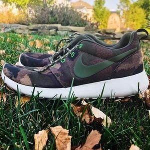 Nike Camo Roshe Runs